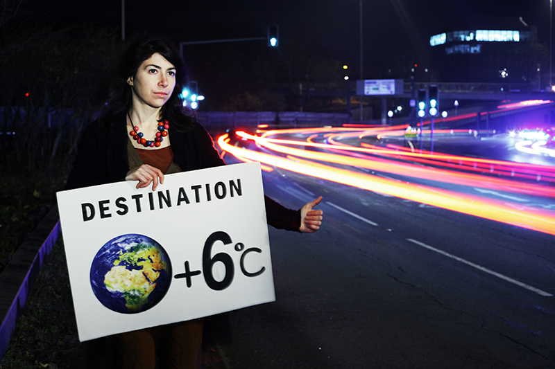 As the UN climate talks (COP18) open in Qatar, a UK climate activist sends reminder to Doha: <br />if governments allow very high carbon emissions, the world could be heading towards 6°C global warming by 2100.<br />UNITED KINGDOM, Reading | 2012