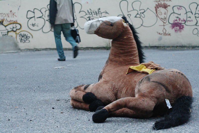 Plush horse toy dumped on the street.<br />FRANCE, Marseille | 2008
