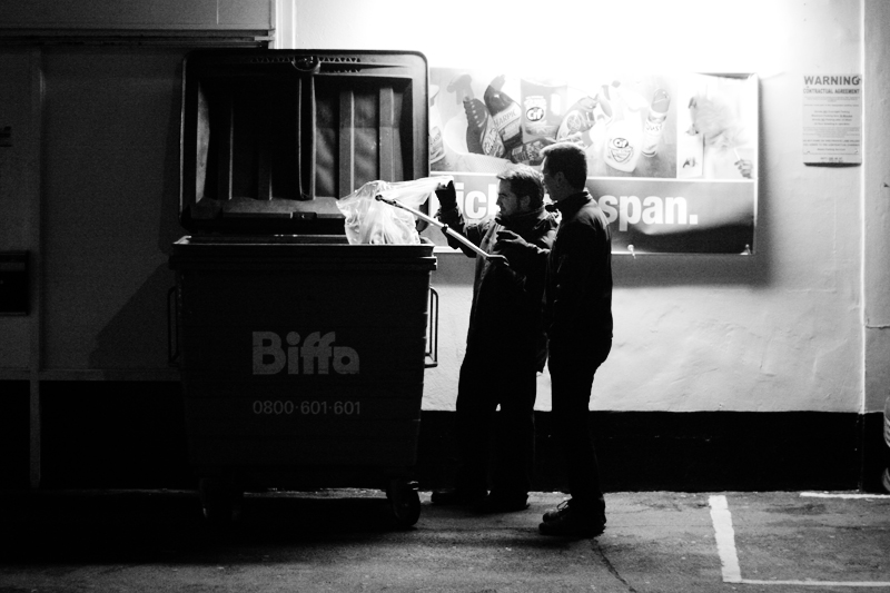 Freegans raid a supermarket bin looking for edibles in a country where a third of all food goes to waste.<br />UNITED KINGDOM, Reading | 2010